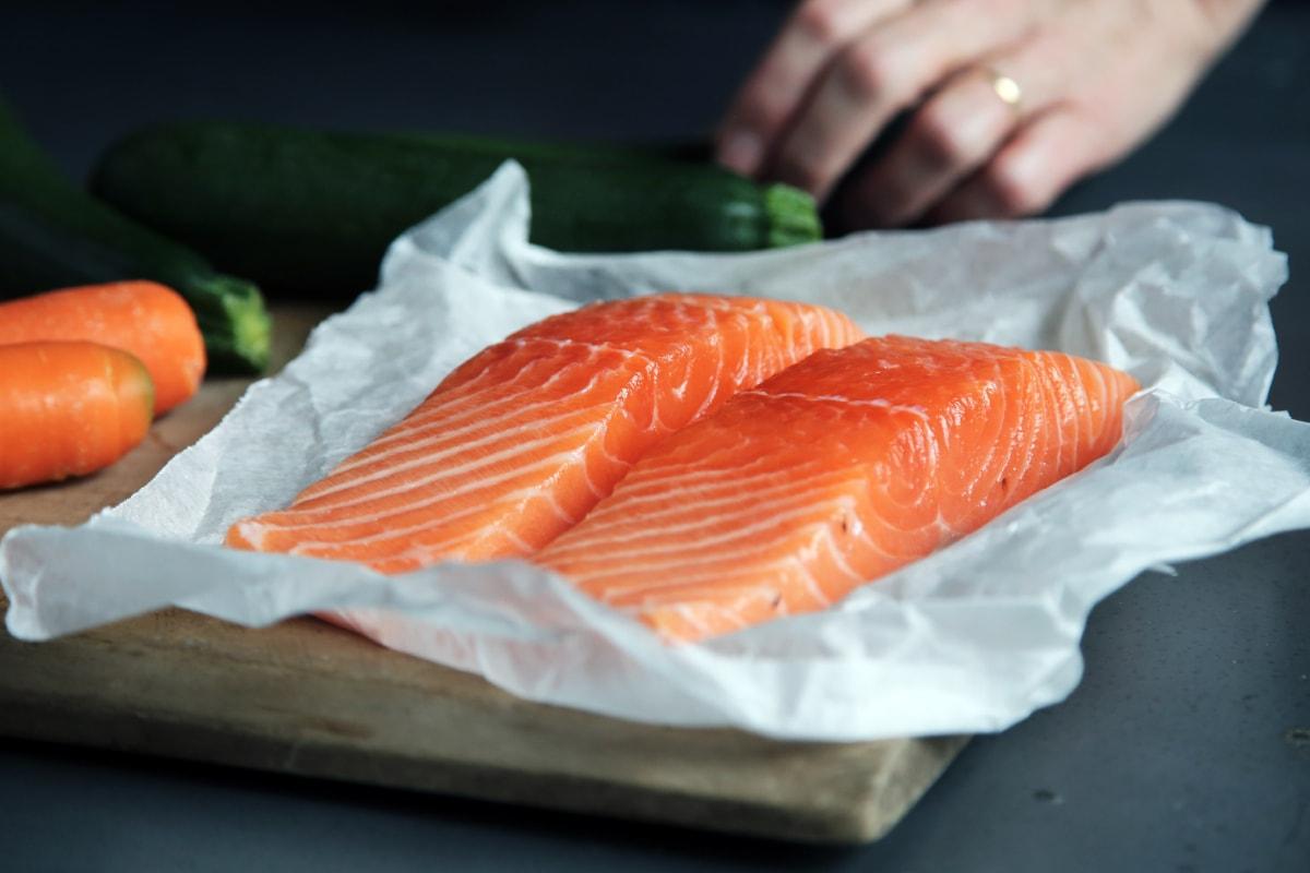 Упаковка рибного філе, пакувальний завод