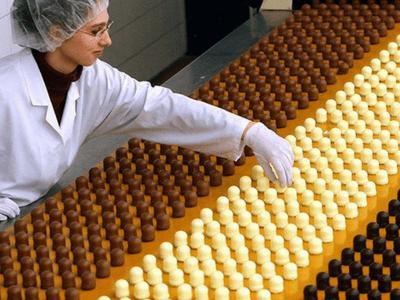 Работник на склад сладостей MALPAK